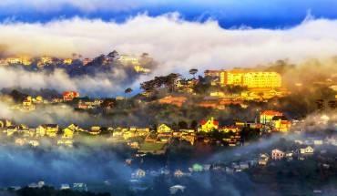 Du lịch Đà Lạt theo tour  không chỉ giúp bạn thỏa sức khám phá tất cả các điểm tham quan đẹp nhất của Đà Lạt, mà còn là cơ hội để bạn tránh được những chi phí phát sinh ngoài hành trình. Ảnh: dalatvatoi.net