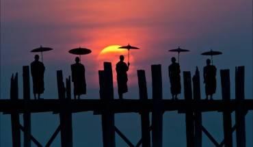 Cây cầu gỗ này đã từng được chuyên trang du lịch CNNGo bình chọn là một trong những nơi ngắm hoàng hôn đẹp tuyệt vời nhất thế giới. Ảnh: Christophermartinphotography