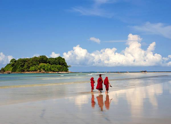 Với những du khách có tâm hồn thơ mộng, muốn tìm đến vẻ đẹp tinh khôi và yên bình thì bãi biển Ngapali là một điểm đến thích hợp nhất.