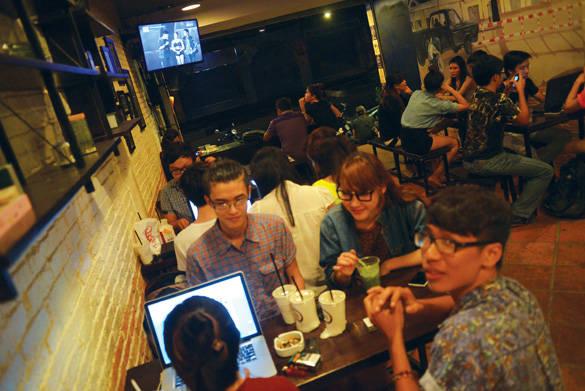 Café ở Sài Gòn có đủ thể loại từ lề đường đến sang chảnh, muốn kiểu gì có kiểu đó