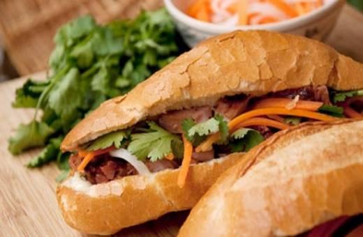 Bánh mì Việt Nam được đánh giá là một trong 5 món ăn đường phố đáng thử nhất thế giới.