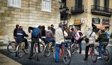 Nắm rõ về lịch trình của chuyến đi sẽ giúp du khách không bỡ ngỡ khi di chuyển đến địa điểm du lịch mới. Ảnh: businessinsider
