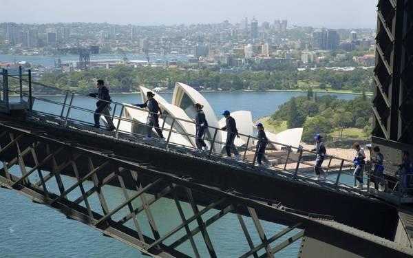 Cầu cảng Sydney là nơi du khách có thể chụp được nhiều ảnh đẹp với nhiều góc độ khác nhau.