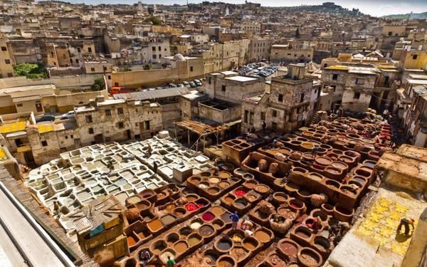 Chouara là xưởng thuộc da nổi tiếng của Morocco với tuổi đời gần 1.000 năm.