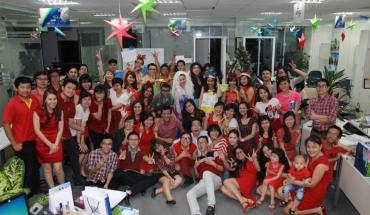 iVIVU By Night mừng Giáng sinh đã đem đến cho toàn thể nhân viên của iVIVU.com một không khí lễ hội vui tươi và ngập tràn niềm vui.