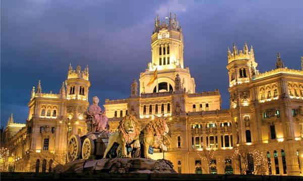 Tháng cuối năm về với thủ đô Madrid Tây Ban Nha.