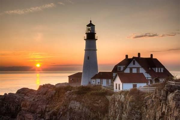 Là thành phố lớn nhất bang Maine, Portland lại có vẻ bề ngoài khá mơ màng và nhịp sống dường như cũng chậm rãi