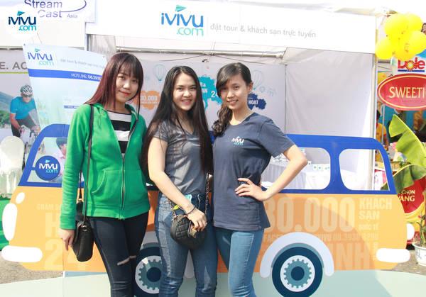 Với sự nhiệt tình và tận tâm của mình, đội ngũ nhân viên của iVIVU.com chắc chắn đã để lại những hình ảnh tốt đẹp trong mắt những người tham gia cuộc chạy bộ HCMC Run 2015. Ảnh: iVIVU.com
