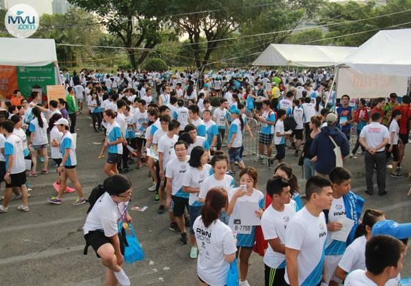 Không khí sôi nổi tại HCMC Run 2015.