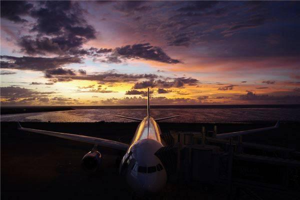 """Sau khi máy bay hạ cánh tại Bali, bạn sẽ nhận ra rằng sân bay này luôn có những điểm tuyệt vời chắc chắn """"vượt mặt"""" nơi bạn vừa rời khỏi."""