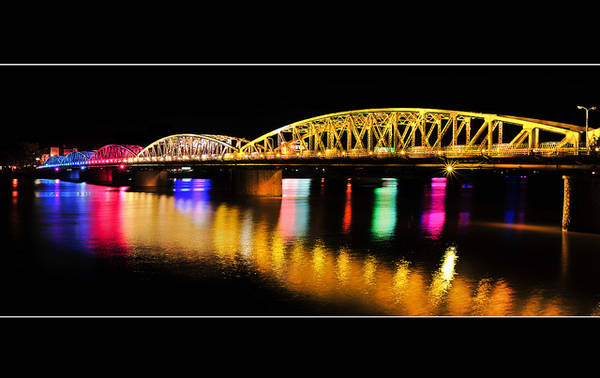 Cầu Trường Tiền - Cầu đầu tiên bắc qua sông Hương