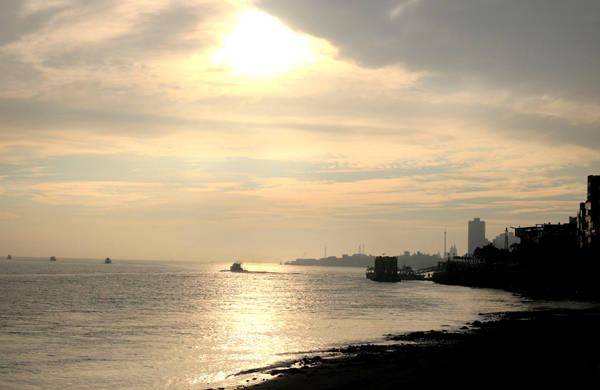 Bờ biển Đạm Thủy.