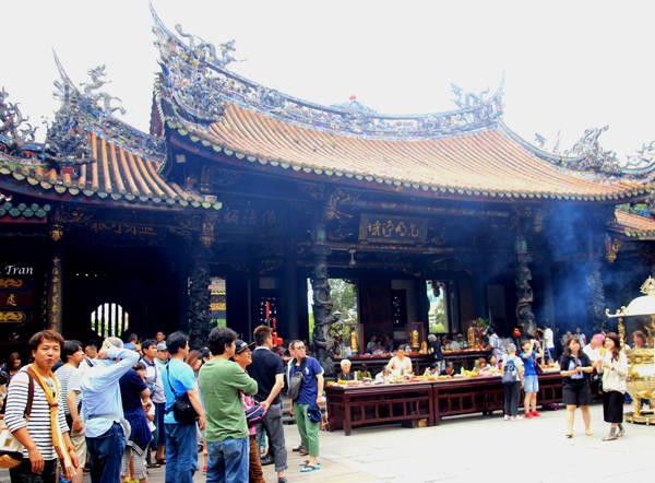 Chùa Long Sơn.