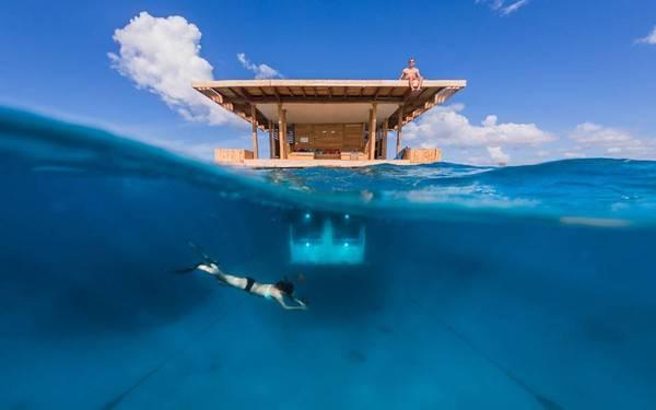 """Căn phòng """"The Underwater Room"""", thuộc về Manta Resort tại Pemba, Zanzibar, một đất nước xa xôi tại châu Phi nằm bên bờ Đại Tây Dương."""