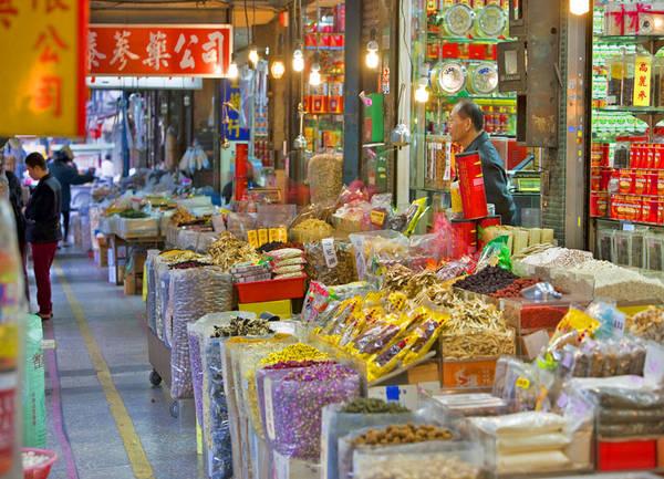 Chợ đêm Hoa Đài Nam còn là một địa điểm thu hút đông đảo giới trẻ. Ảnh: pinch magazine