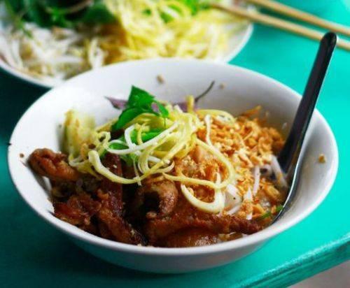 Thịt nướng được ướp đậm đà các loại gia vị chính là điều làm nên nét nổi bật của món ăn