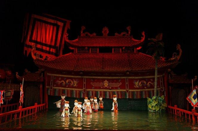 Nghệ thuật múa rối nước tại nhà hát múa rối Thăng Long.