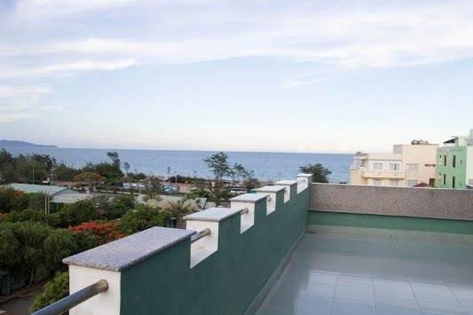Cảnh biển nhìn từ khách sạn.