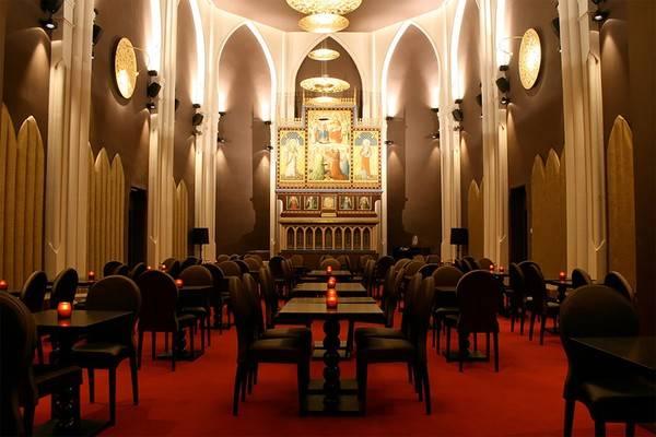 Khách sạn có thiết kế giống như một thánh đường dành cho những người theo đạo Thiên Chúa.