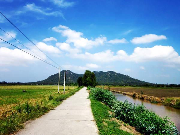 Description: Núi Ba Thê An Giang