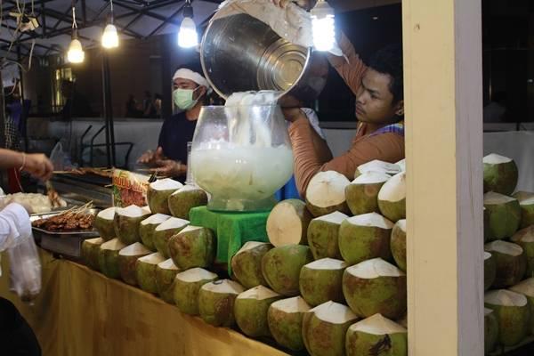 Dừa Thái Lan thì không có điểm nào để chê cả. Đặc biệt là dừa dứa, một loại dừa đặc trưng của xứ chùa vàng.