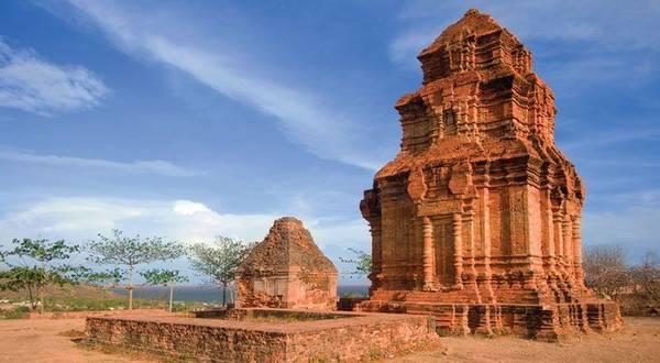 Tháp chàm Poshanư.