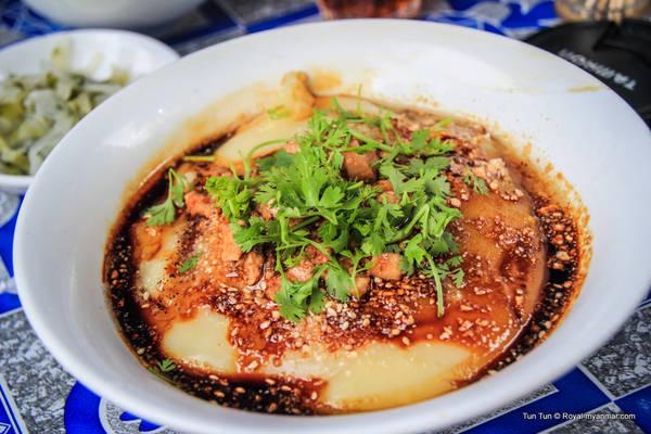 Mì đậu hũ là một trong những món ăn đặc sắc nhất tại Myanmar.