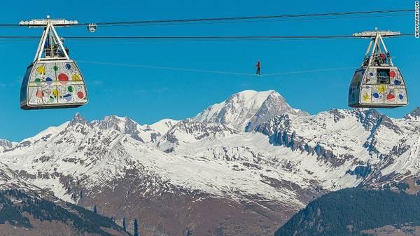 Tuyến cáp treo ấn tượng này được đưa vào sử dụng để nối 2 khu trượt tuyết của Pháp là Les Arcs và La Plagne.