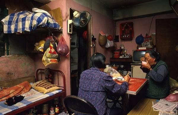 Kowloon có văn hóa làng xã do không gian sống và làm việc chật hẹp.