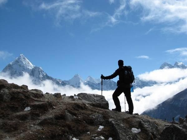 Có hai hình thức leo núi là leo núi nhân tạo (trong nhà) và chinh phục các ngọn núi. Mỗi loại hình có một cái thú khác nhau, song nếu thuộc tuýp thích di chuyển, các chuyến trekking cùng bạn bè ở các ngọn núi như Chứa Chan, Lang Biang, Fansipan… luôn có sức hút nhất định. Lưu ý là chỉ nên leo núi với nhóm từ 10 người trở lên và có người thông thạo địa hình hướng dẫn.