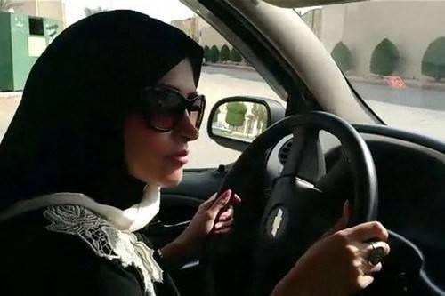 Ở Ảrập Xêut, phụ nữ hoàn toàn không được phép lái ô tô, với một vài lý do như lái xe sẽ gây các vấn đề khi mang thai cho phụ nữ. Điều luật này được ban hành ở Riyadh năm 1957.