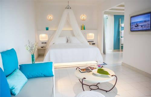 Để có một kỳ nghỉ thư giãn thực sự, du khách có thể lựa chọn biệt thự hai hoặc ba phòng ngủ từ Sanctuary Pool Villa đến Oasis Pool Villa.