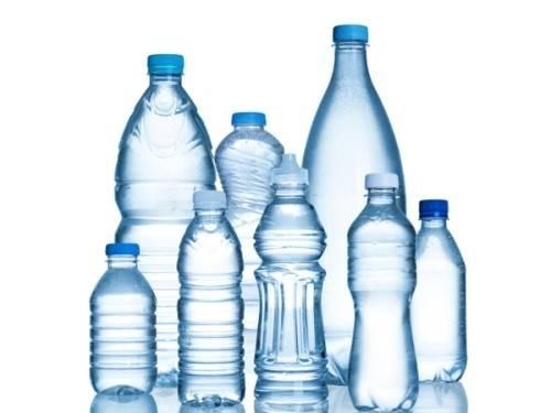 Đừng vội vứt bỏ chai nước mang theo sau khi uống hết.
