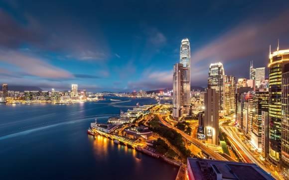 Hong Kong được ví như Paris của châu Á và còn được bình chọn là một trong 10 điểm du lịch hấp dẫn nhất thế giới.