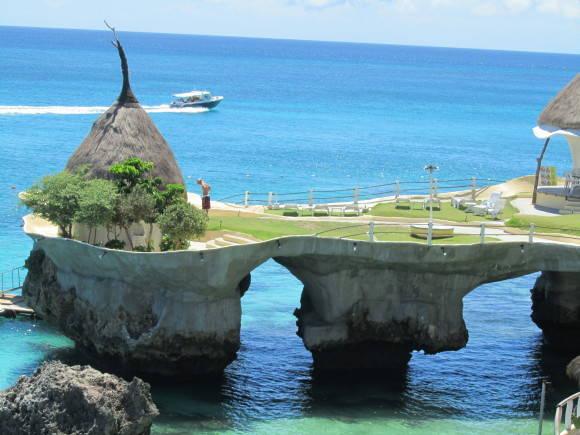 Boracay là hòn đảo nhỏ nhất nhưng đến với Boracay, chưa một khách du lịch nào cảm thấy thất vọng