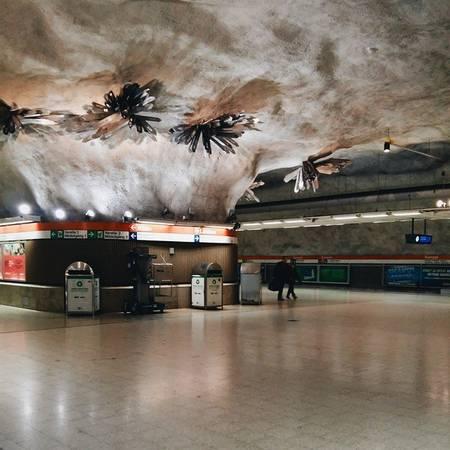 Ga tàu điện ngầm Helsinki, Phần Lan.