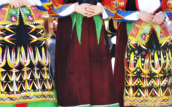 Trang phục truyền thống đẹp ấn tượng của Sardinia.
