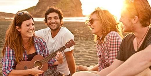 Đi du lịch một mình mang lại cho bạn những cơ hội tốt nhất để gặp gỡ những người bạn bè mới.