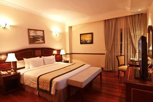 Khách sạn Sài Gòn - Đà Lạt được xây dựng vào năm 2005 theo phong cách kiến trúc Pháp hiện đại