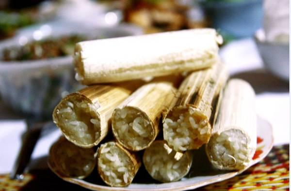 Cơm lam là món ăn nổi tiếng của người đồng bào ở bản Đôn.