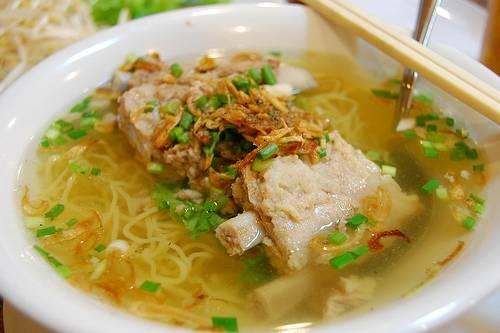banh-canh-hu-tieu-dam-huong-vi-bien-vung-tau-ivivu-5