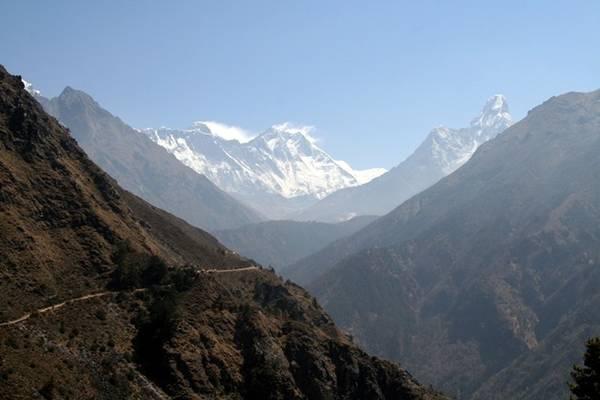 Cung đường trek lên Everest Base Camp.