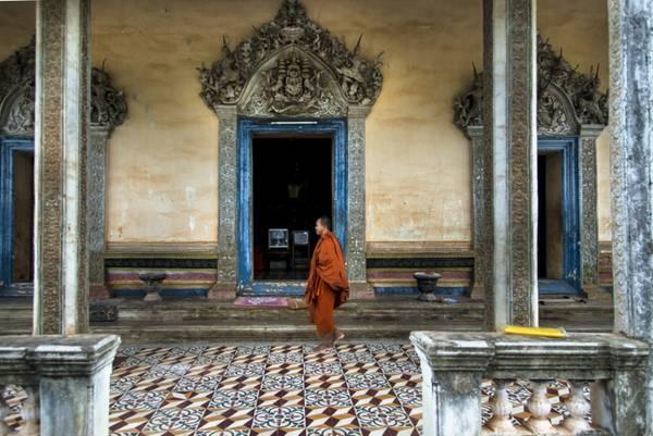 Chuyến du lịch Campuchia của bạn dường như sẽ chưa trọn vẹn nếu không đến viếng thăm một ngôi đền nào.