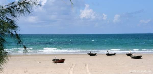 Biển Vàn Chải hoang sơ đầy mơ mộng. Ảnh: Phuot.com