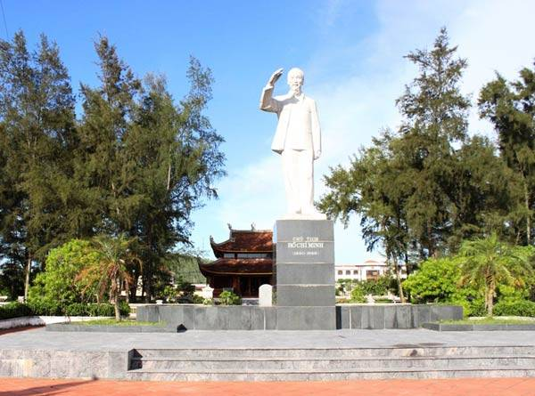 Khu di tích nhà lưu niệm Bác Hồ tại huyện đảo Cô Tô. Ảnh: halongtourism