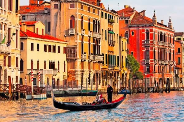 Nếu yêu thích nước Ý và không muốn cảnh chen chúc, ồn ào, tháng 4 là thời điểm lý tưởng để bạn ghé thăm đất nước hình chiếc ủng. Ảnh: Sju.edu