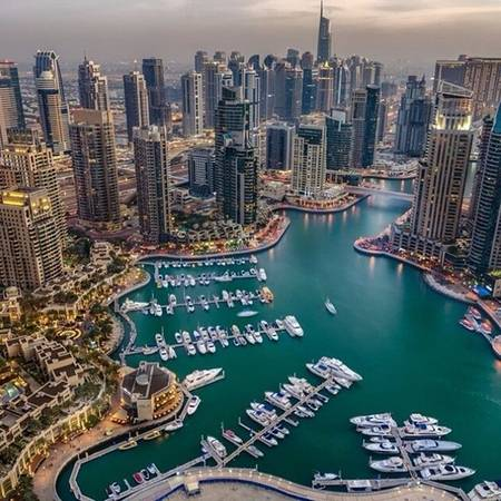 Tháp Princess - Dubai, Các tiểu vương quốc Ả-rập