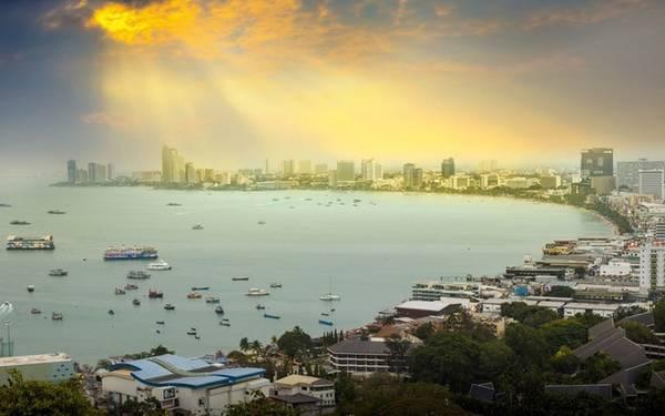 Pattaya: Giá phòng trung bình là 39 Bảng Anh (khoảng 1,28 triệu đồng), giảm 25% .