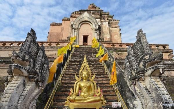 Chiangmai: Giá phòng trung bình là 37 Bảng (khoảng 1,2 triệu đồng), giảm 19%.