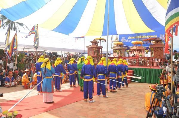Lễ khao thề lính Hoàng Sa trên đảo Lý Sơn.